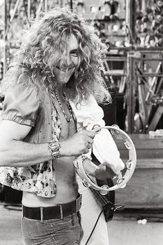 Robert Plant ....why did he have to get older ? He was such a hottie