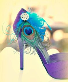 Awesome peacock shoe clips..from Etsy store Sofisticata..check out her stuff..it's amazing<3
