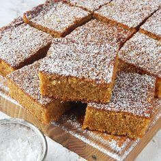 Saftig morotskaka – Lindas Bakskola Fika, Something Sweet, Banana Bread, Cake Recipes, Deserts, Food And Drink, Sweets, Snacks, Ethnic Recipes