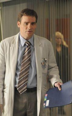 Robert Sean Leonard (Dr. Wilson).