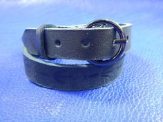 Black wrap leather bracelet with buckle Raven's track