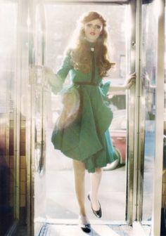 La modella Cintia Dicker  è la protagonista dell'editoriale, del numero di Maggio 2009, del magazine inglese  Lula , diretto e fondato da Le...