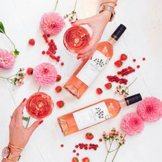 Reach for the stars ✨ or the rosé #alwaysrosé with @mirabeauwine & @therollinsonlondon … Flowers, rosé, wine, flatlay, berries, style, London fashion bloggers, Belle & Bunty,