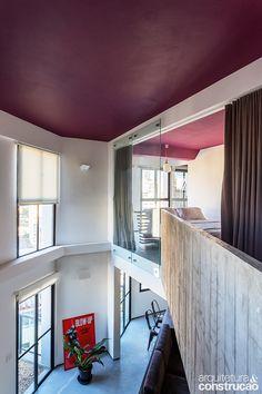 Escada é a protagonista deste dúplex   Arquitetura e Construção