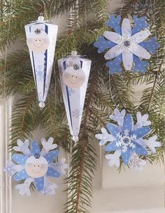 articles made of paper Christmas Crafts, Christmas Decorations, Table Decorations, Christmas Ornaments, Holiday Decor, Diy And Crafts, Crafts For Kids, Paper Crafts, Projects For Kids