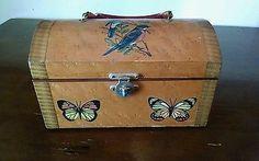 Vintage-Lucite-Handle-Box-Purse-Butterfly-Decoupage