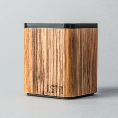 Huge sound, small package. Compact design makes the LSTN Satellite a perfect travel companion. Audiophiles can expect a full range sound, crisp highs and balanced bass. - Just 3 inches tall but boas