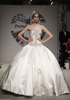over the top wedding dresses | Over-the-Top Wedding Gowns : Wedding Dresses Gallery