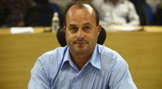O Ministério Público de Taubaté denunciou o vereador Salvador Soares (PT) e seu assessor de gabinete...