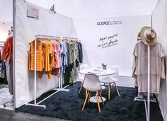 Clothing booth display Your Guide to Bathroom Planning and Design This bathroom planning guide aims Clothing Booth Display, Clothing Displays, Boutique Interior, Boutique Design, Tenda Gazebo, Market Stall Display, Market Stalls, Bazaar Booth, Exhibition Stall Design