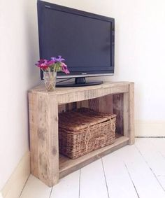 Exceptionnel Handmade Rustic Corner Table/Tv Stand. Reclaimed And Recycled Wood