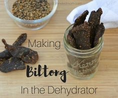 Making South African Biltong in the Dehydrator - Biltong Recipe Dehydrator, Dehydrator Recipes, Salted Caramel Fudge, Salted Caramels, Jerky Recipes, Dutch Oven Recipes, Thing 1, South African Recipes, Dehydrated Food