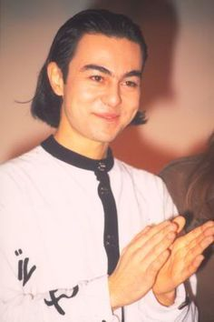 Serdar Ortaç Turkish Men, Memoirs, Childhood Memories, Falling In Love, Nostalgia, Funny Memes, Mood, T Shirts For Women, Wallpaper