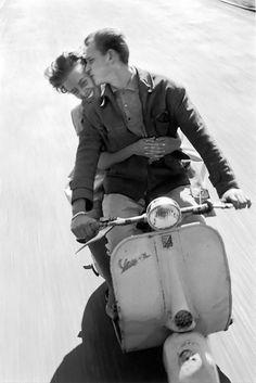 Intimate Vintage Photos Capture Romantic Couples in the ~ Vintage Everyday Vintage Photographs, Vintage Photos, Italian Scooter, I Got You Babe, Dutch Women, Couples Walking, Couple Relationship, Romantic Couples, Happy Couples