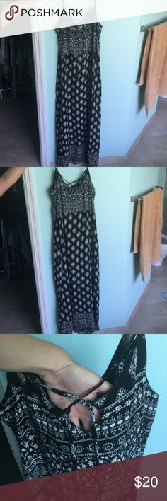 MIMI CHICA MAXI DRESS, NWT Black & white maxi dress with lace up front! Mimi Chica Dresses Maxi