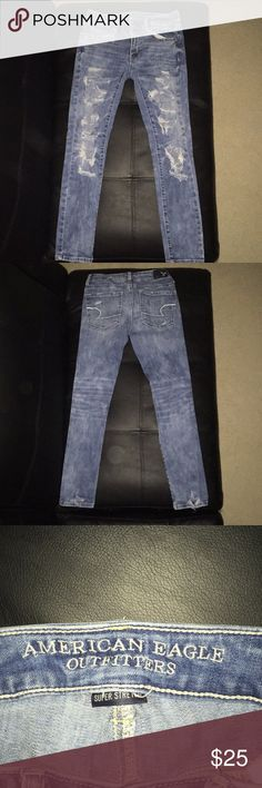 American Eagle skinny jeans Super stretch, ripped skinny jeans light wash from American Eagle Outfitters! American Eagle Outfitters Jeans Skinny