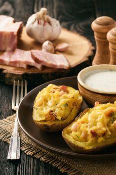Pečené zemiaky so šunkou a syrom Eggs, Potatoes, Breakfast, Food, Morning Coffee, Potato, Essen, Egg, Meals