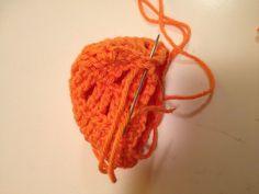 Galna i Garn: Här kommer Pippi Långstrump... Crochet Earrings, Black And White, Jewelry, Leo, Pippi Longstocking, Threading, Jewlery, Black N White, Jewerly