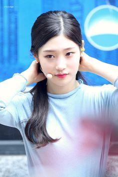#Chaeyeon #IOI #DIA #채연 #아이오아이 #다이아 South Korean Girls, Korean Girl Groups, Ioi Members, Jung Chaeyeon, Choi Yoojung, Kim Sejeong, Jeon Somi, Ulzzang Girl, Girl Crushes