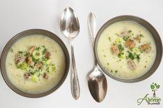 Supa crema de praz cu carofi, vin alb, iaurt si marar.