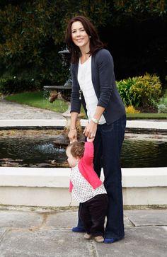 Princess Mary - Danish Royals Attend Sydney Photo Call