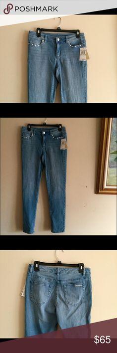 NWT Michael Kors  Skinny Jeans size 4 NWT MICHAEL KORS Skinny Jeans light blue indigo wash basics size 4 , inseam is 29' Michael Kors Jeans Skinny