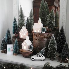 Christmas Decor Inspiration Christmas Decor Inspiration Source by trendytree Decoration Christmas, Farmhouse Christmas Decor, Noel Christmas, Country Christmas, Xmas Decorations, Winter Christmas, Vintage Christmas, Holiday Decor, Scandinavian Christmas Decorations