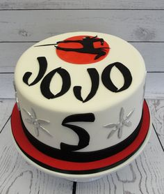 Use Dollar Tree Ninjas Ninja Turtle Birthday Cake, Art Birthday Cake, Ninja Cake, Karate Birthday, Ninja Birthday Parties, Birthday Ideas, 5th Birthday, Happy Birthday, Karate Cake