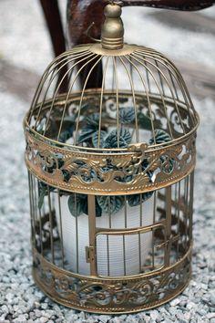Lanterna de Jardim dourada.