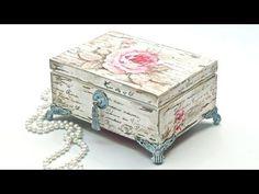 Decoupage pudełko vintage postarzane przetarciami