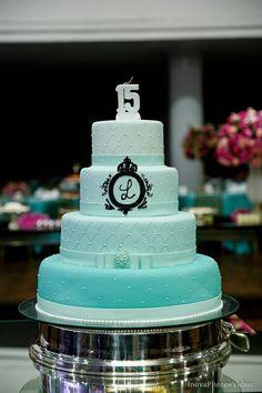 Bolos de 15 maravilhosos Pretty Cakes, Beautiful Cakes, Amazing Cakes, Sweet 15, Sweet Sixteen, 15th Birthday Cakes, 15 Birthday, Bolo Paris, Paris Cakes