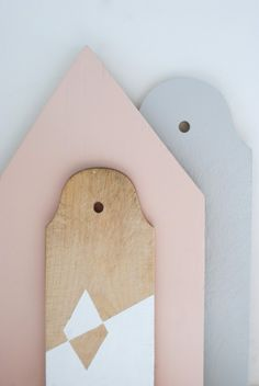 DIY painted bread boards: use non-toxic paint and vintage boards