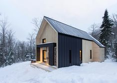 Cargo+Architecture+completes+Scandinavian-inspired+holiday+home+in+Quebec