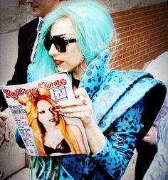 Lady Gaga met zichzelf op de cover