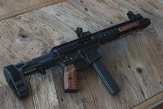 This Wood Build is a bit of departure from the first couple in terms of style. The Queen Anne and Huey Builds were themed builds, inspired by a specific Weapons Guns, Guns And Ammo, Ar Build, Ar Pistol Build, Ar 15 Builds, Submachine Gun, Fire Powers, Custom Guns, Military Guns