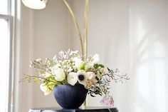 Rooms In Bloom: 14 Fabulous Floral Arrangements from Our House Tours | Apartment Therapy