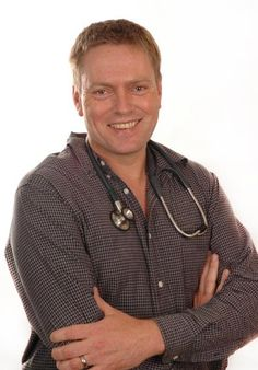Dr Golding reveals natural medicine and remedies to protect your family from disease and the side effects of prescription drugs. Live longer with alternative health remedies to help keep you looking and feeling younger! Mulberry Leaf, Healthy Blood Sugar Levels, Alpha Lipoic Acid, Lower Blood Sugar, Alternative Health, Natural Medicine, Natural Health, Natural Remedies, Mens Tops