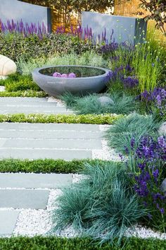41 Easy and Cheap Landscaping Ideas for Your Front Yard That Will Inspire Courtyard Landscaping, Modern Landscaping, Front Yard Landscaping, Landscaping Ideas, Courtyard Ideas, Landscaping Software, Landscaping Plants, Backyard Ideas, Unique Garden