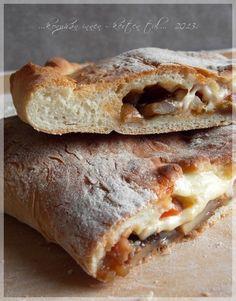 ...konyhán innen - kerten túl...: Calzone - töltött pizza Calzone, Taco Pizza, Sandwiches, Tacos, Food, Essen, Meals, Paninis, Yemek