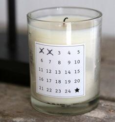On aime le concept de l'objet-calendrier! Cette version bougie est très facile à faire soi même!