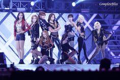 http://okpopgirls.rebzombie.com/wp-content/uploads/2013/05/SNSD-Dream-Concert-3-1.jpg