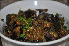 Mharo Rajasthan's Recipes - Rajasthan A State in Western India: Baingan Ki Sookhi Sabzi बैंगन की सूखी सब्जी - Vankaya Pachhi Kharam (Eggplant Fry with Green Chilli - Coriander - Cumin Powder)