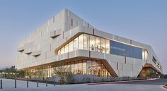 Sustainable fitness center combines good looks and an eco-friendly mantra in California