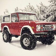 Vintage Ford Bronco Restoration Parts & Accessories - National Parts Depot Classic Ford Broncos, Classic Bronco, Ford Classic Cars, Classic Trucks, Old Pickup Trucks, Lifted Trucks, Chevy Trucks, 4x4 Trucks, Lifted Ford