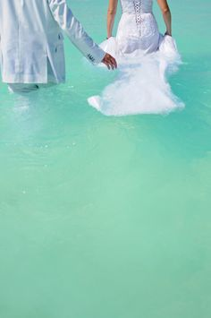 Turquoise waters wedding walk - Mexico