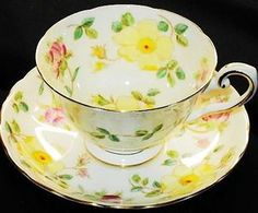 Tea cup with yellow flowers China Cups And Saucers, Teapots And Cups, China Tea Cups, Teacups, Vintage Cups, Rose Tea, Tea Service, My Cup Of Tea, Chocolate Pots