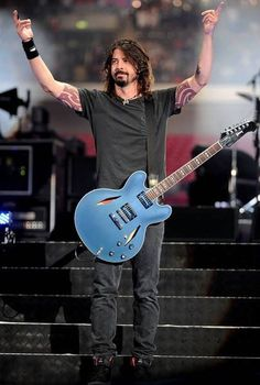 In photos: 'Foo Fighters in Concert' - Monsters and Critics Foo Fighters Dave Grohl, Foo Fighters Nirvana, Chris Shiflett, There Goes My Hero, Taylor Hawkins, Rockn Roll, Rock Legends, My Favorite Music, Music Stuff