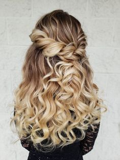 Quince Hairstyles, Prom Hairstyles For Long Hair, Homecoming Hairstyles, Easy Hairstyles, Wedding Hairstyles, Hairstyles For Graduation, Hairstyle Men, Formal Hairstyles, Wedding Hair Down