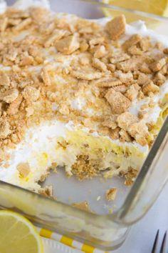 Lemon Lush Dessert, Lemon Dessert Recipes, Cream Pie Recipes, Köstliche Desserts, Baking Recipes, Delicious Desserts, Easy Recipes, Lemon Crunch Cake Recipe, Lemon Curd Recipe