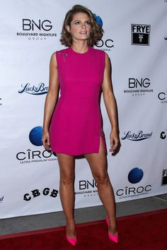Stana Katic Photos Photos - Red carpet arrivals at the 'CBGB' premiere in Los Angeles on October 2, 2013.  - 'CBGB' Premieres in LA — Part 2